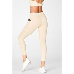 Fabletics Oasis Motion365 High-Waisted 7/8 Legging